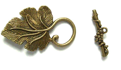 Lot de 2 toggles feuille couleur bronze 28x37mm